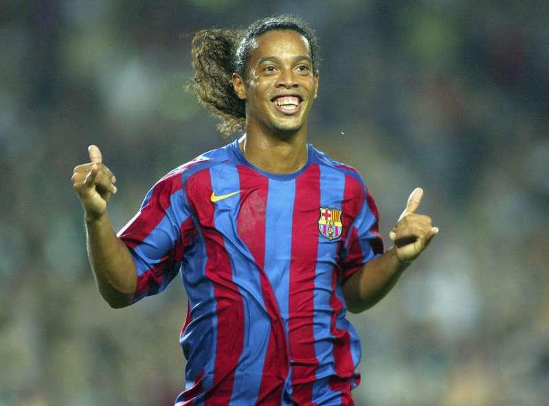- BBOtUko - Ronaldinho apoia Bolsonaro. O Barcelona está preocupado
