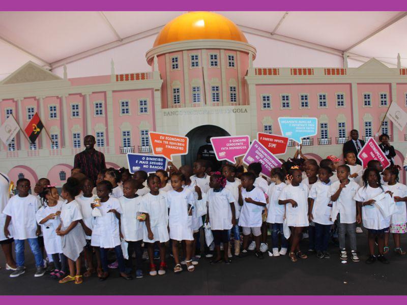 - BNA CRIAN  AS - BNA promove Oficina de Educação Financeira em Benguela