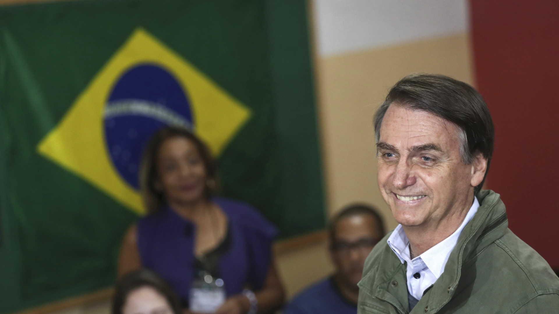 - Bolsonaro - Bolsonaro ameaça cortar relações diplomáticas com Cuba