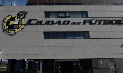 - Federa    o Espanhola de Futebol 400x240 - Vice-presidente da federação espanhola de futebol é preso por desvio de dinheiro
