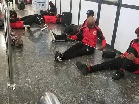 palancas negras retidos sete horas no aeroporto da mauritânia - Palancas egras no Aeroposto da Mauritania - Palancas Negras retidos sete horas no aeroporto da Mauritânia