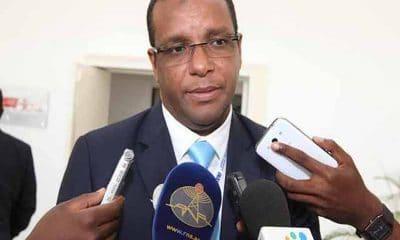 - Rui Carreira presidente da comissao execitiva taag 400x240 - Administração da TAAG tenta travar greve dos pilotos e assistentes de bordo
