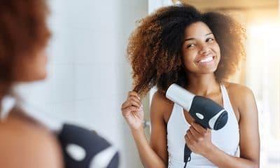 """- aprenda a secar os cachos nesse inverno sem danificar os fios 400x240 - Atenção, a estes secadores de cabelo. """"São perigosos"""""""