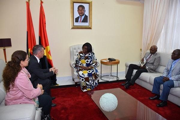 - audi  ncia Lu  sa Dami  o Tom  s Ulicny  - Vice-presidente do MPLA inteira-se dos projectos da União Europeia em Angola