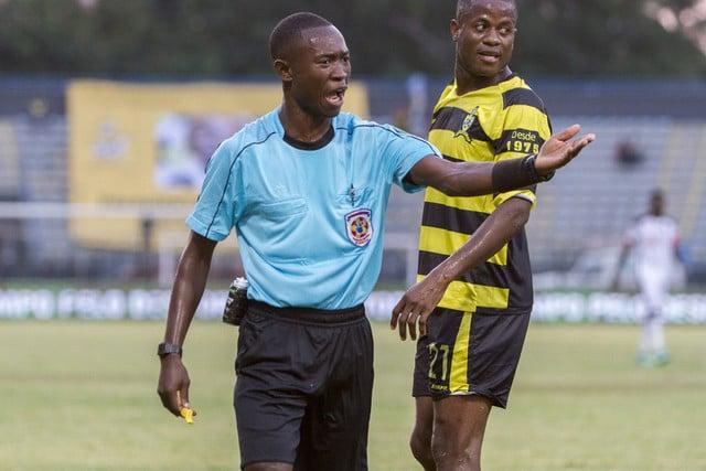 - Arbitro - CAF suspende árbitro Janny Sikazwe do 1º de Agosto e Esperance
