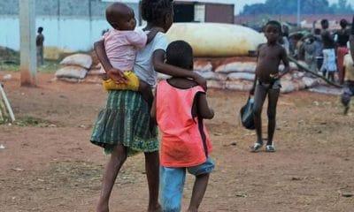 militares e polícias são os que mais fogem à paternidade em angola - Crian  as 400x240 - Militares e polícias são os que mais fogem à paternidade em Angola