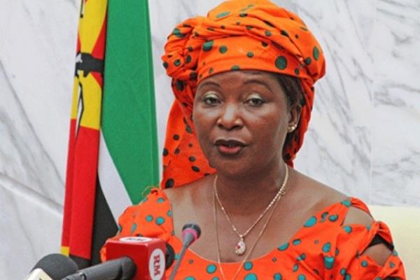 - Helena Taipo  - Embaixadora de Moçambique em Angola vítima do próprio partido