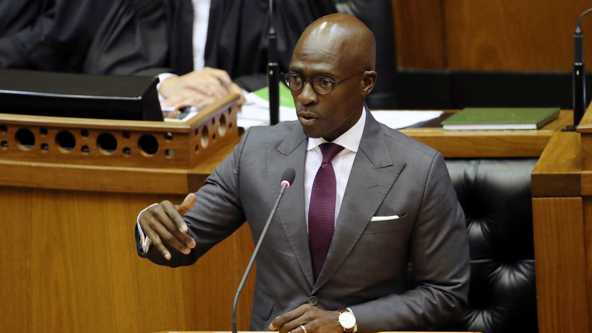 - Malusi Gigaba - Ministro do Interior da África do Sul pede demissão devido a escândalo de vídeo sexual