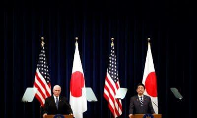 - O vice presidente americano Mike Pence E e o primeiro ministro japon  s Shinzo Abe  400x240 - Vice-presidente americano quer acordo comercial modelo com Japão