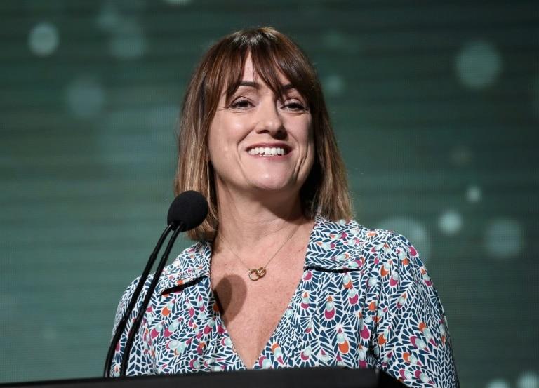 - SUSANNA DINNAGE - Susanna Dinnage, primeira mulher no comando da Premier League