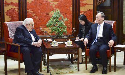 - Vice presidente chin  s se encontra com Henry Kissinger 400x240 - Vice-presidente chinês se encontra com Henry Kissinger