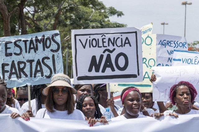 - 0d84fe2be 4b88 49ab 8ca0 8d053c21a19c - Mulheres marcham contra violência
