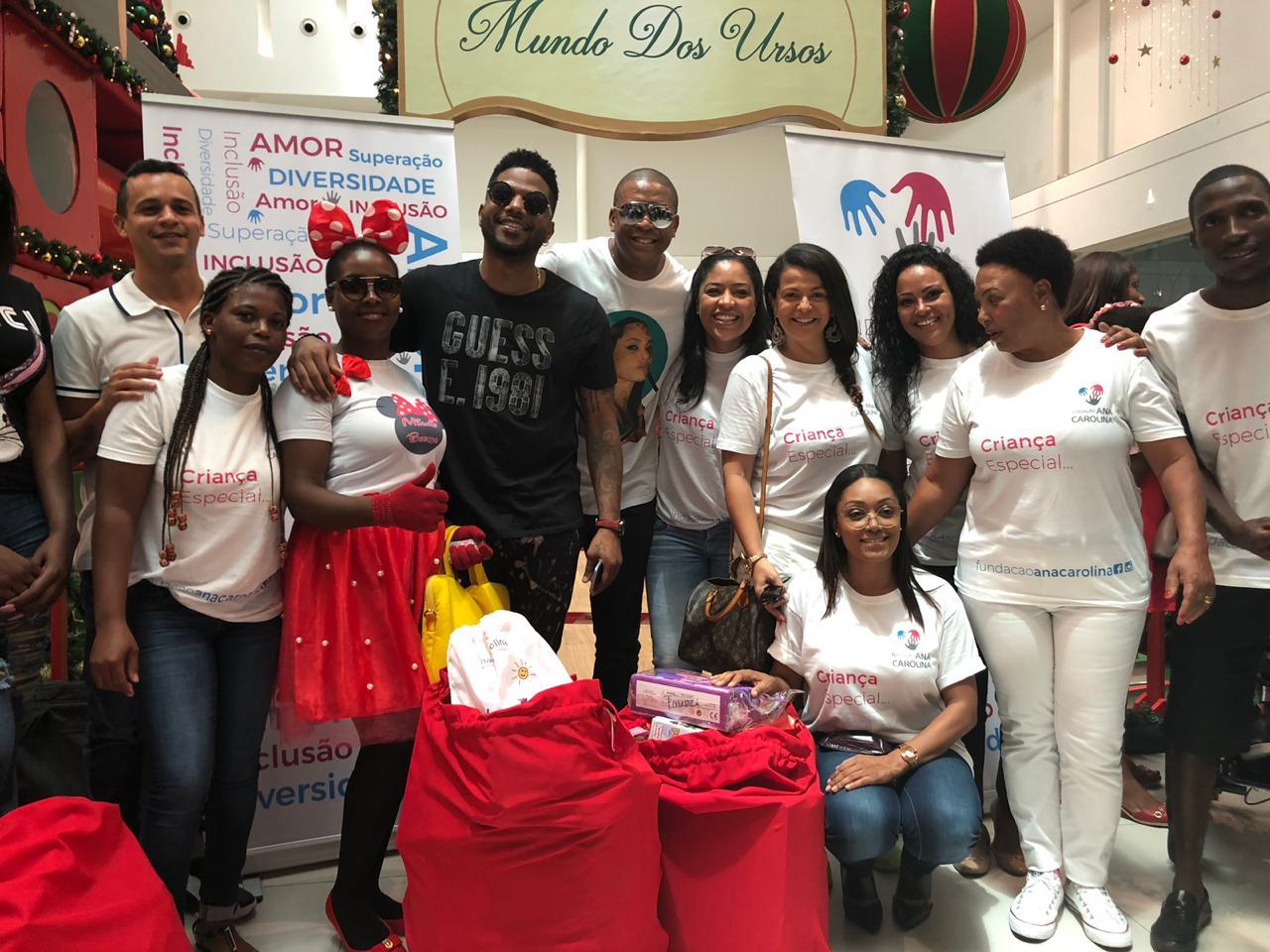 - Foto 5 - Crianças da Fundação Ana Carolina celebram Natal no Belas Shopping