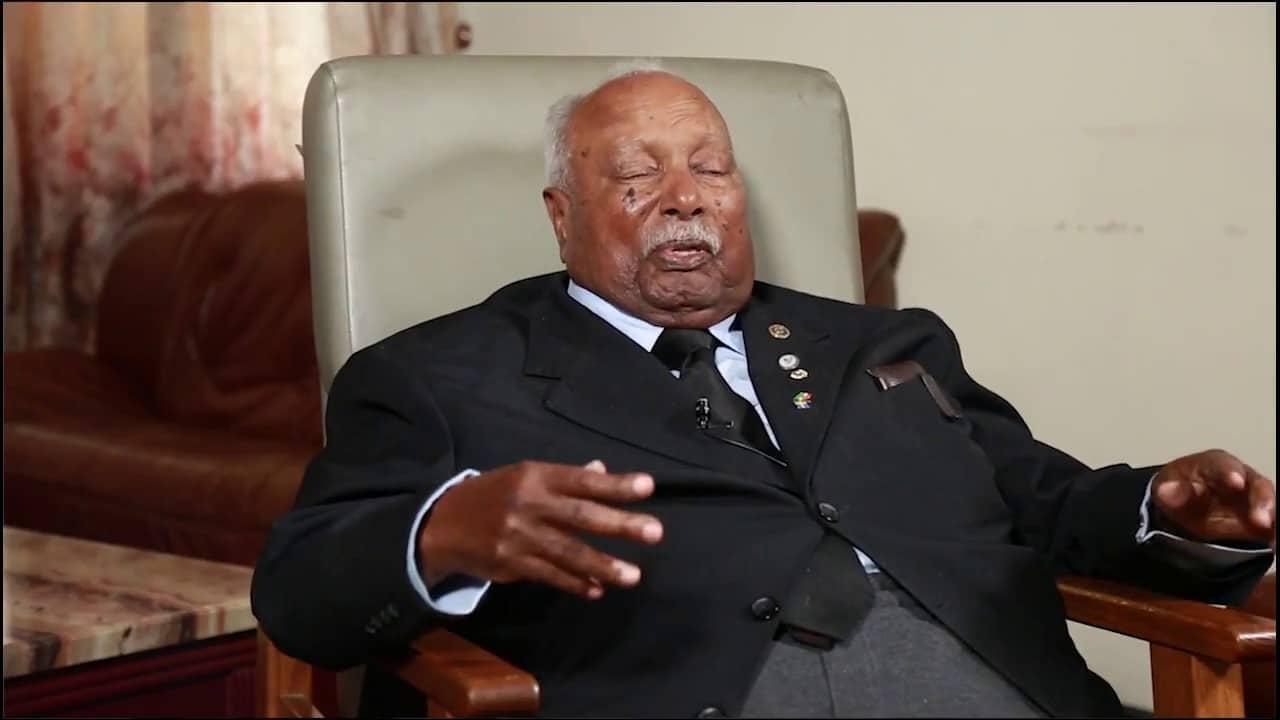 - Girma Wolde Giorgis - Morreu ex-Presidente da Etiópia