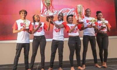 - IMAGE 1 400x240 - Coca-cola junta pela primeira vez, jovens craques africanos no Quênia