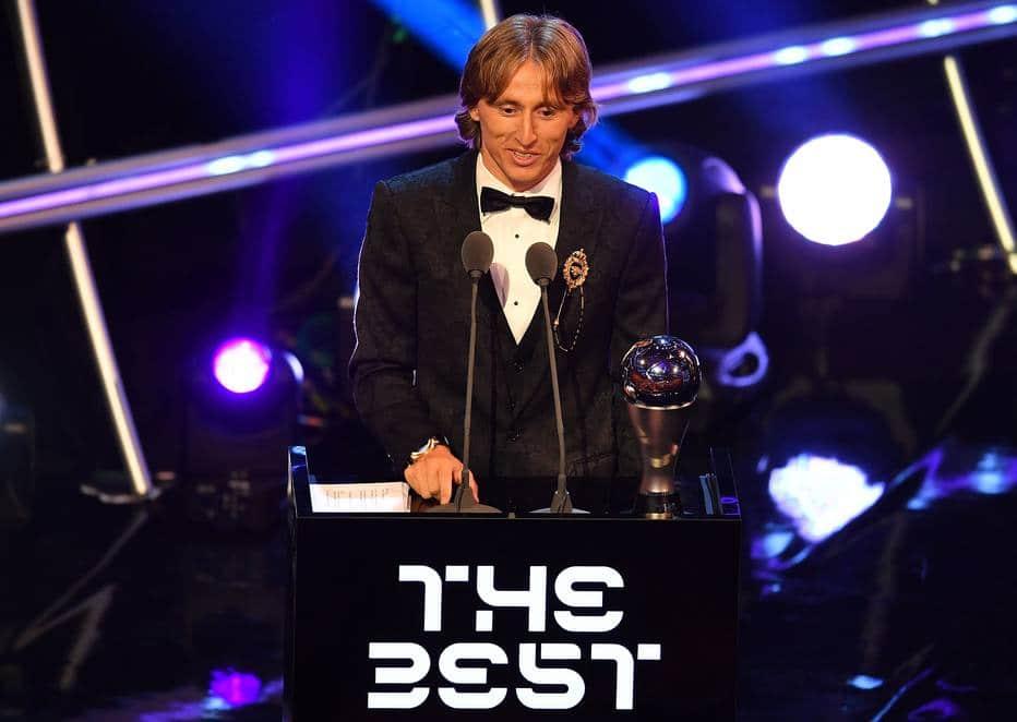 - Modric - Modric conquista a Bola de Ouro e Ronaldo fica em segundo