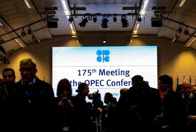 - OPEP - OPEP e aliados concordam em reduzir produção de petróleo em 1,2 milhões de barris por dia