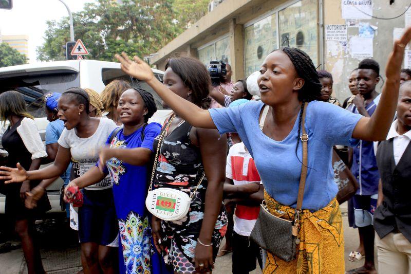 """- Zungueiro - Custo da dívida em Angola vai """"subir significativamente"""", diz FMI"""