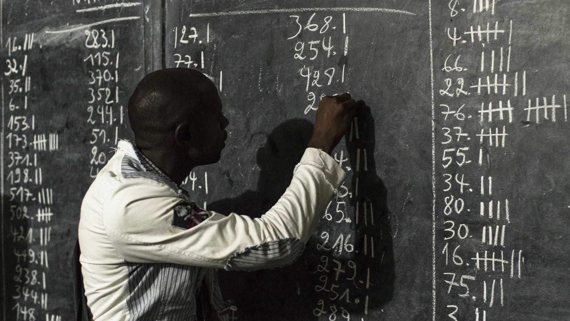 - contagem de votos RDC - RD Congo: CENI admite adiar divulgação de resultados