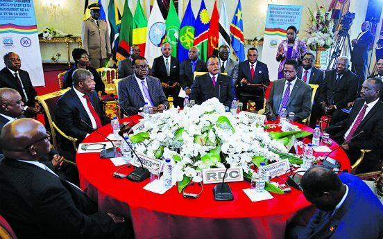 - mini cimeira  Brazaville - Mini-cimeira regional sobre a RDC sem a presença de Kinshasa