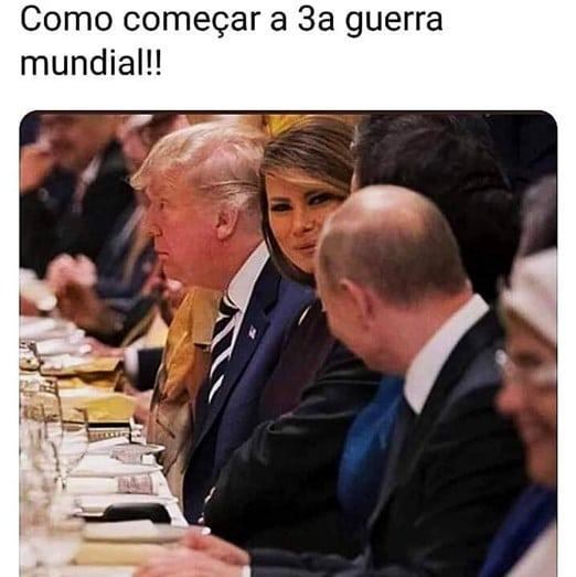 - putin e melania jantar - A foto que está a pressionar Donald Trump. Melania flirta com Putin