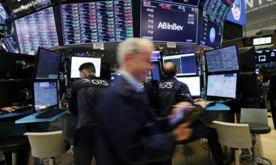 - wall street 400x240 - Wall Street se recupera com fortes altas