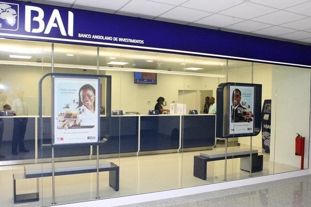 banco bai assaltado na avenida alameda, em luanda - BANCO BAI - Banco BAI assaltado na Avenida Alameda, em Luanda