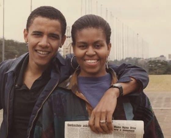"- Barack e michel obama 560x450 - ""És única."" Barack Obama dá os parabéns a Michelle com fotografia de juventude"