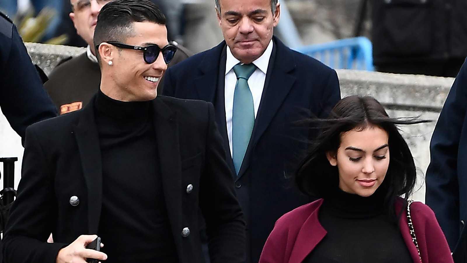 ronaldo condenado a 23 meses de prisão e 19 milhões de multa por fraude - CR7 e Esposa - Ronaldo condenado a 23 meses de prisão e 19 milhões de multa por fraude