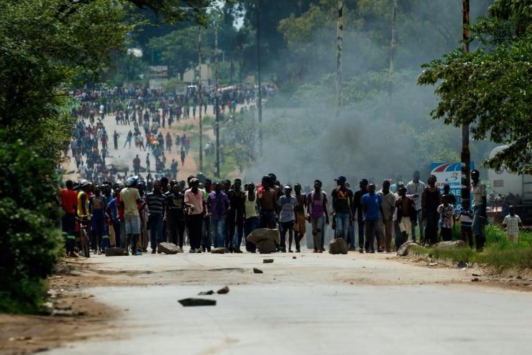 [object object] - Manifesta    o Zimbabu   - Manifestações contra subida dos combustíveis no Zimbábue deixam vários mortos