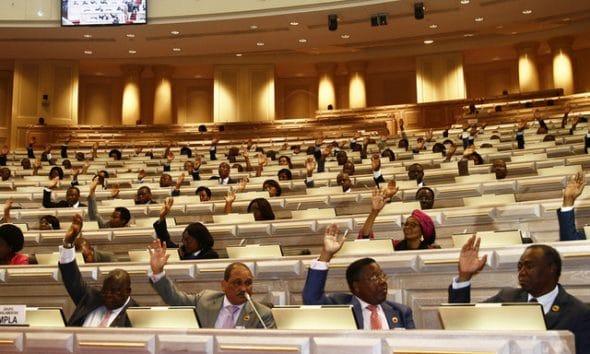 - Parlamento 590x354 - Votação dos relatórios da Provedoria da Justiça divide Deputados