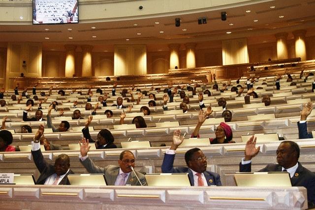 - Parlamento - Deputados aprovam por unanimidade projectos de leis autárquicas