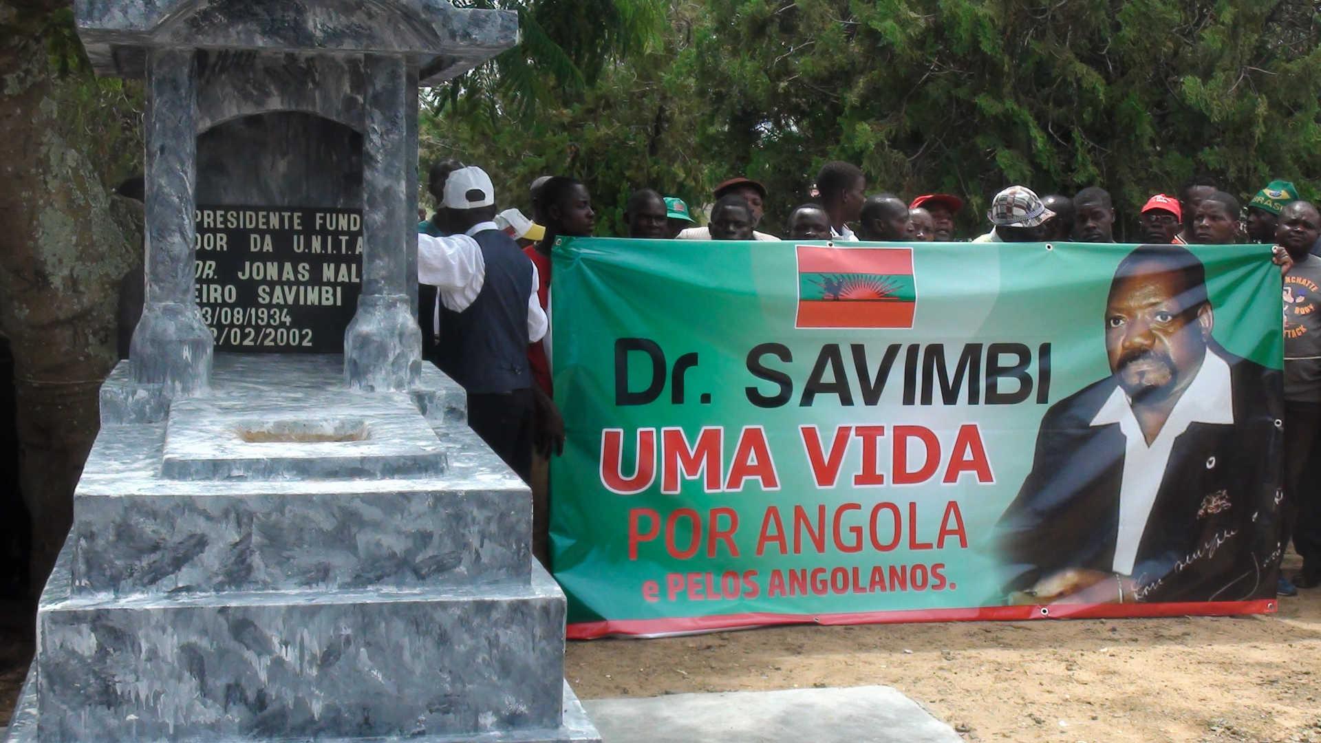 unita diz que mau estado das vias de acesso à aldeia de lopitanga pode condicionar as exéquias de savimbi - Tumulo Savimbi - UNITA diz que mau estado das vias de acesso à aldeia de Lopitanga pode condicionar as exéquias de Savimbi