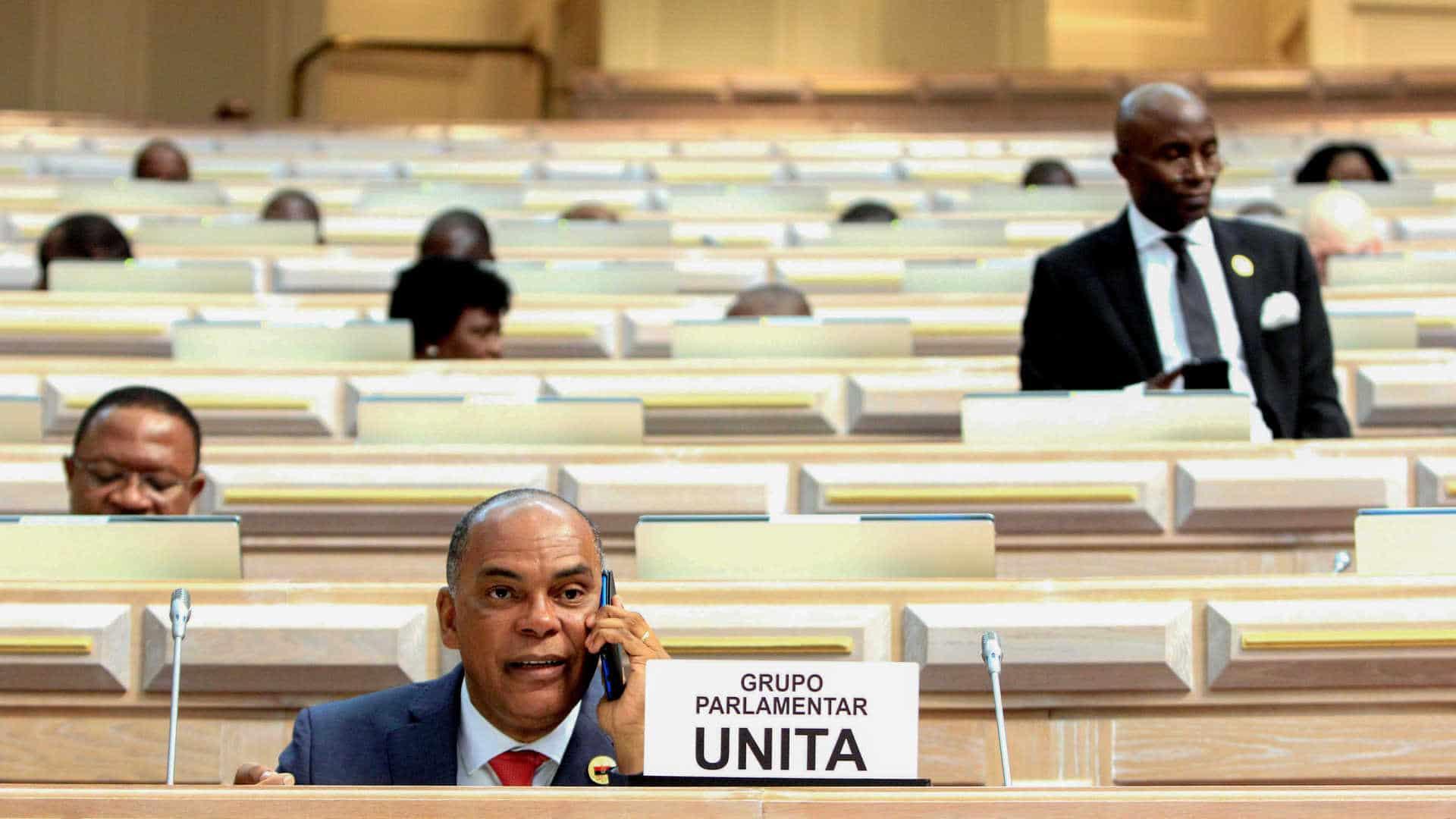 unita recorre de acórdão que impede parlamento de fiscalizar governo - UNITA Parlamento Adalberto - UNITA recorre de acórdão que impede parlamento de fiscalizar Governo