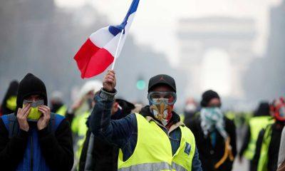 - coletes amarelo 400x240 - Dirigente dos coletes amarelos em França anuncia criação de partido