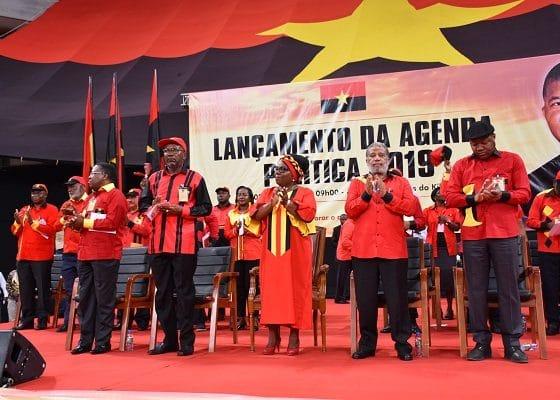 - MPLA Lan  amento agenda politica 2019 560x400 - MPLA 'atira-se' à Direcção do jornal Folha 8