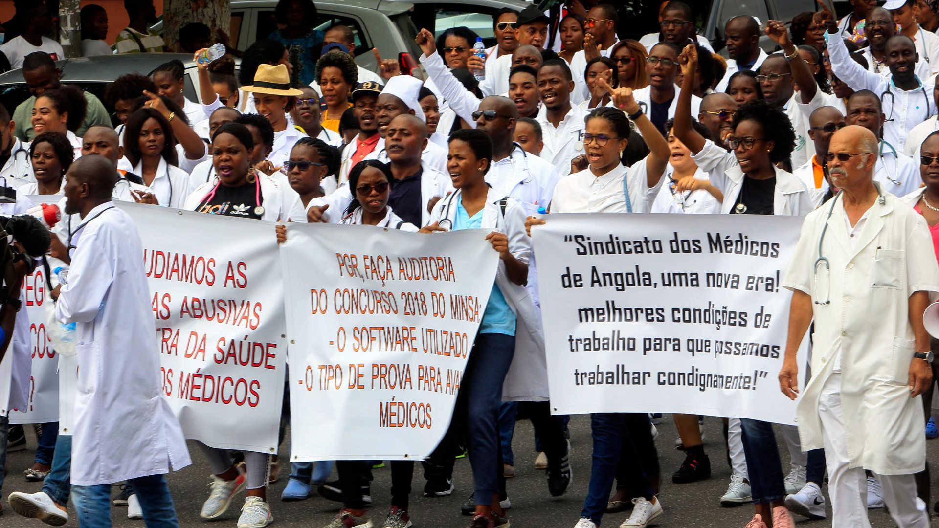 médicos angolanos protestam por melhores condições de trabalho - Manifesta    o Medicos Angolanos - Médicos angolanos protestam por melhores condições de trabalho