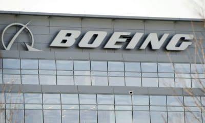 acções da boeing caem em wall street após acidente fatal na etiópia - Boeing 400x240 - Acções da Boeing caem em Wall Street após acidente fatal na Etiópia