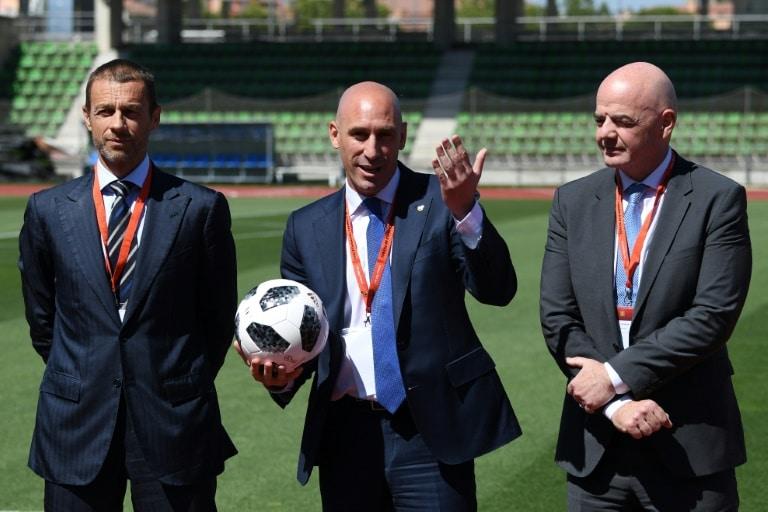 - Luis Rubiales Aleksander Ceferin e Gianni Infantino - Presidente da FIFA visita Angola