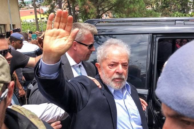 lula deixa a prisão para ir ao funeral do neto - Lula - Lula deixa a prisão para ir ao funeral do neto
