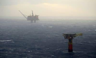 """- Petroleo 400x240 - ANPG e ENI anunciam nova descoberta de petróleo no """"offshore"""" de Angola"""