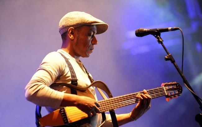 """tito paris realiza """"tour da paz"""" em angola - Tito Paris - Tito Paris realiza """"Tour da Paz"""" em Angola"""