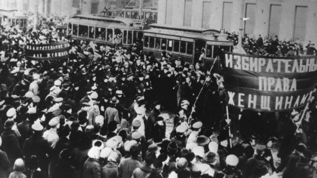 dia internacional da mulher: a origem operária do 8 de março - greve 1917 mulheres - Dia Internacional da Mulher: a origem operária do 8 de Março