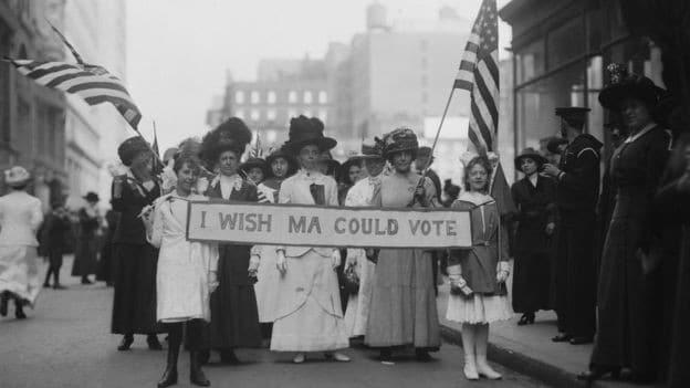 dia internacional da mulher: a origem operária do 8 de março - protesto 1913 mulheres - Dia Internacional da Mulher: a origem operária do 8 de Março