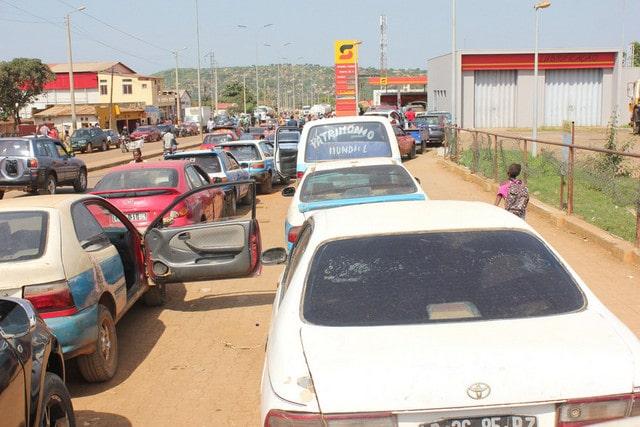 litro de gasolina está a ser comercializado a mil kwanzas em benguela - 022aba871 59bd 4c69 bbbd a917e9e87048 - Litro de gasolina está a ser comercializado a mil kwanzas em Benguela