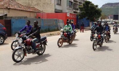 mototaxistas queixam-se de pagamentos arbitrários por parte da amotrang no zango - 07cd12c33 532f 4aa9 97a1 dc56f962a1ac 400x240 - Mototaxistas queixam-se de pagamentos arbitrários por parte da Amotrang no zango