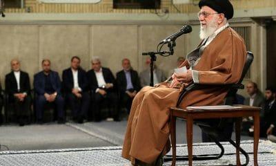 - l  der supremo do Ir   Ali Khamenei 400x240 - Sanções dos EUA não ficarão sem resposta, diz líder supremo do Irã