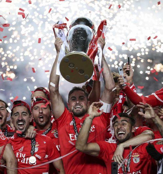 - BENFICA  560x600 - Benfica conquista 37º título português