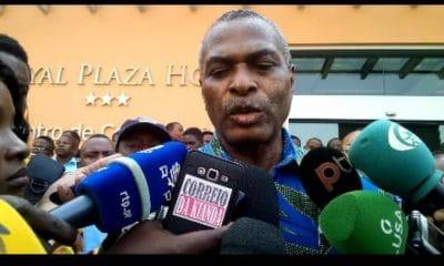- ABEL CHIVUCUVUCO 400x240 - Abel Chivukuvuku cria novo Partido  com fundos próprios