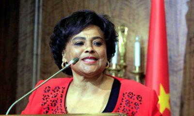 - Carolina Cerqueira 400x240 - Carolina Cerqueira representa Angola no Fórum da Paz em Paris